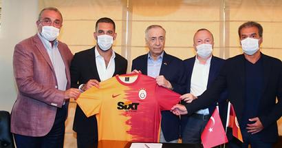 ¡Ya es oficial! Arda Turan deja el Barça y ficha por el Galatasaray