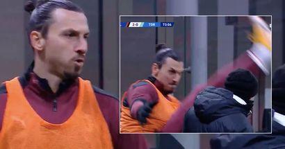 Il 39enne Zlatan Ibrahimovic esegue un incredibile esercizio di riscaldamento