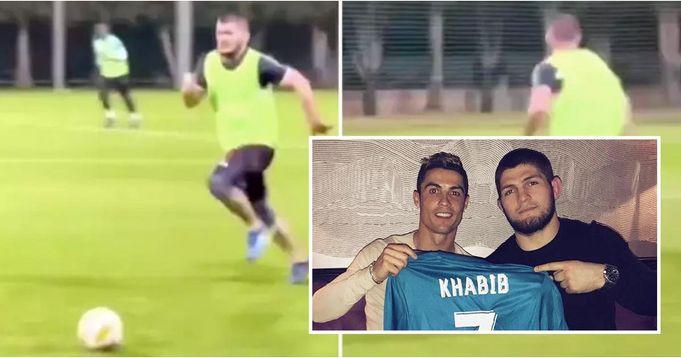 Khabib sfoggia la sua velocità mentre gioca a calcio con la leggenda del Milan a Dubai