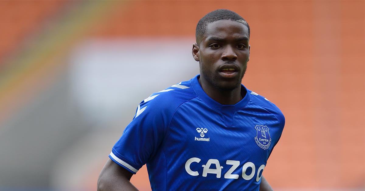 Niels Nkounkou connait sa première titularisation en Premier League avec Everton